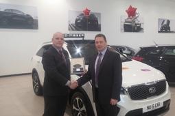 Arnold Clark sales executive reaches Platinum level with the Kia Academy