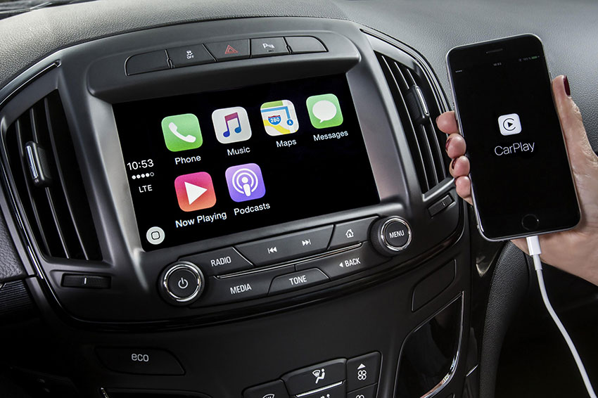 The Apple CarPlay interface.