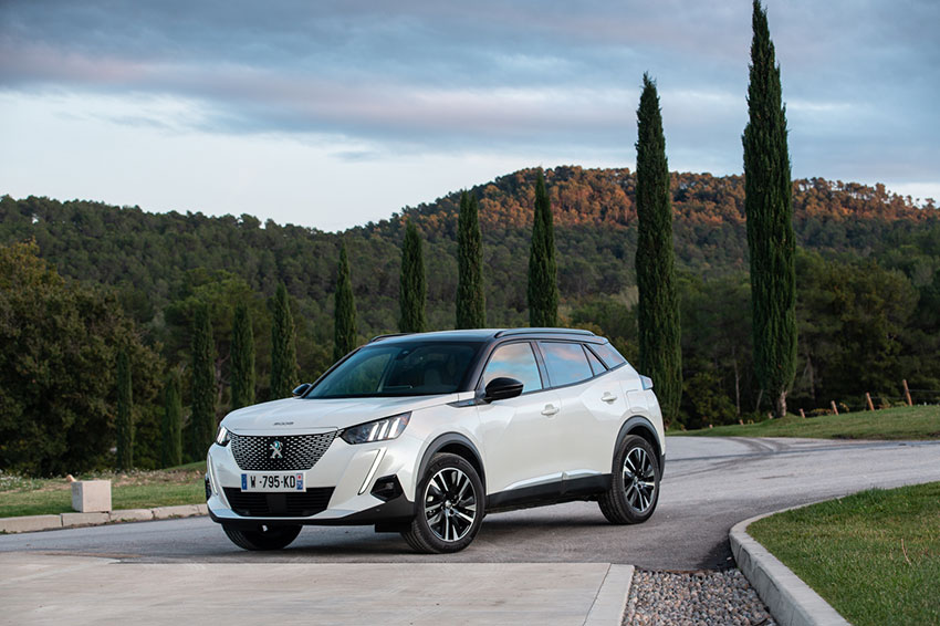 The all-new Peugeot e-2008 SUV review.