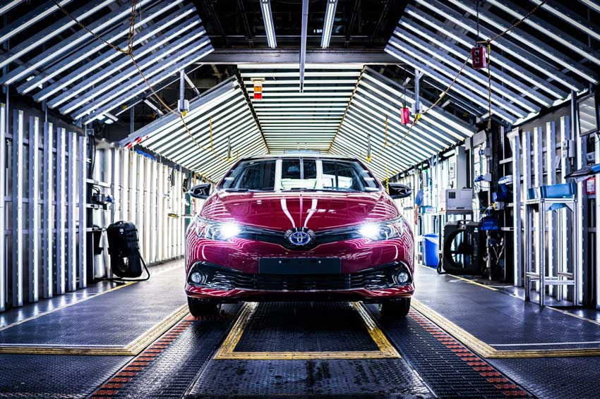 The Toyota Auris GB25
