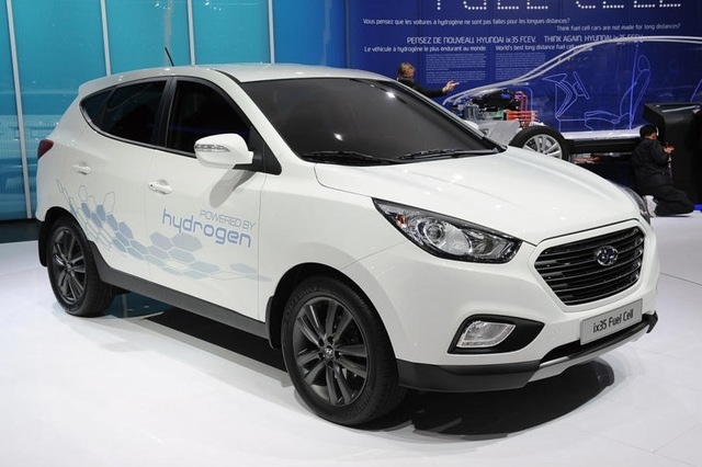 Five Hyundai ix35s will form the beginning of a fleet of hydrogen-powered cars