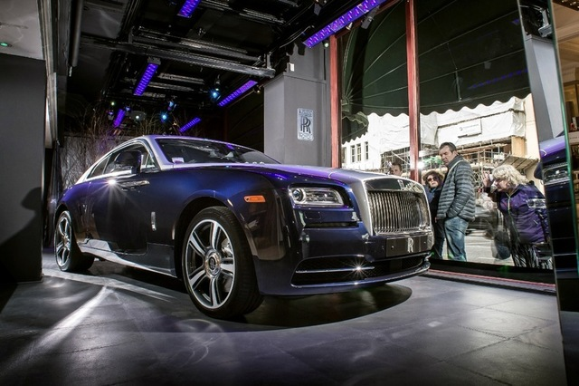 The car features Midnight Sapphire paintwork and an upper two-tone in Cassiopeia Silver. Image: Rolls-Royce