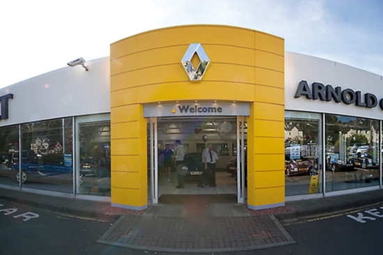 Visit Arnold Clark Renault to ensure your brakes are well maintained