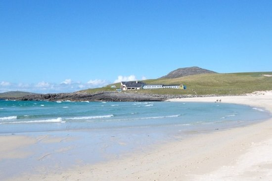 Is it a caribbean resort? No, it's the Isle of Barra off the coast of sunny Scotland