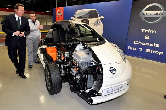David Cameron was given a tour of the factory and shown a Nissan LEAF cut in half to display how it works inside. Image: Nissan