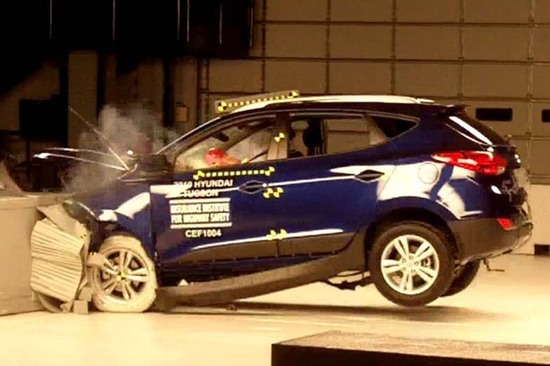 Image: CC 3.0 Frontal offset crash-test by Brady Holt.