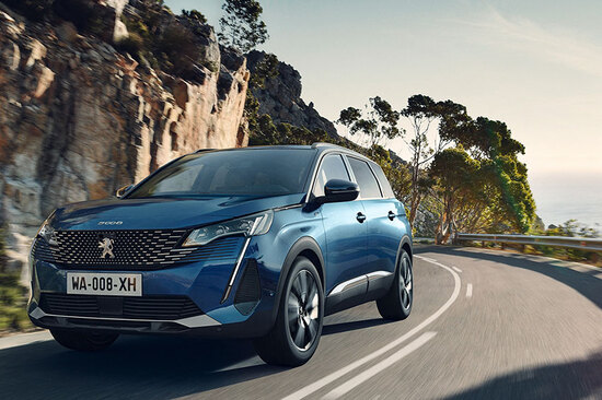The all-new Peugeot 5008.