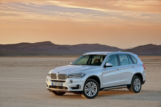 Continuing where the last generation model kicks off, the new X5 is based heavily on the outgoing model