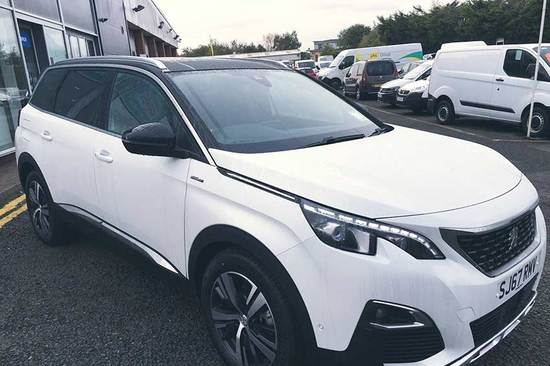 The all-new Peugeot 5008 SUV